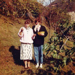foto Cristina nel giardino dei nonni